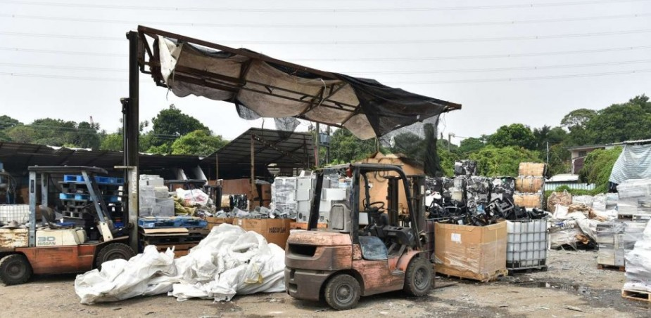 (UNDATED PHOTO) A joint operation was held between September 26 and October 4 to conduct surprise inspections at a number of waste recycling sites in Hung Lung Hang in the North District in the New Territories. Photo: ISD