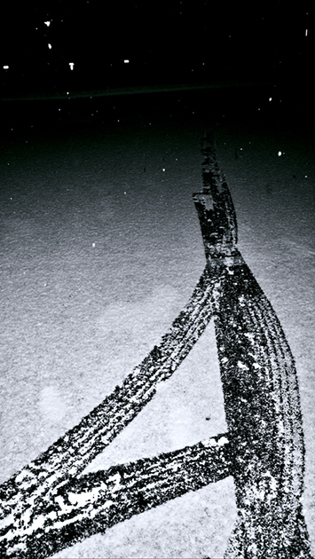6.gallery bw snow.jpg