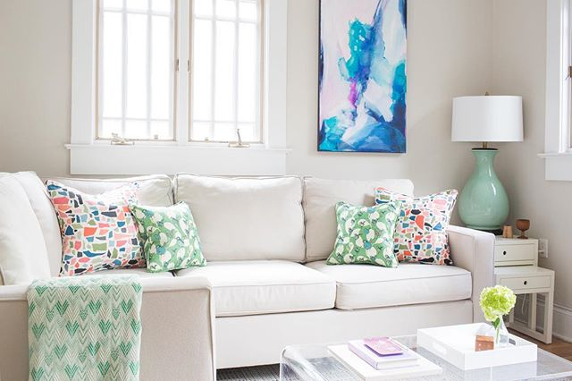 Mondays call for comfy corners and cheerful colors 💚💛💜 This family room features custom artwork by my lady @juniperbriggs and accessories from my upcoming shop. Stay tuned for more details on my storefront, and check out more photos of Hill House in my portfolio! #theonewiththepillows | 📷 @reema_desai