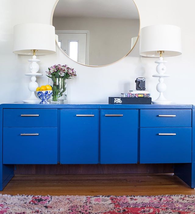 Adding new projects to the portfolio! This adorable house for an adorable family is next on the list. Oh, and @marthaleonedesign killed it with this vintage credenza, per usual 🔪💙 #theonewithbarkleythedog | 📷 @reema_desai