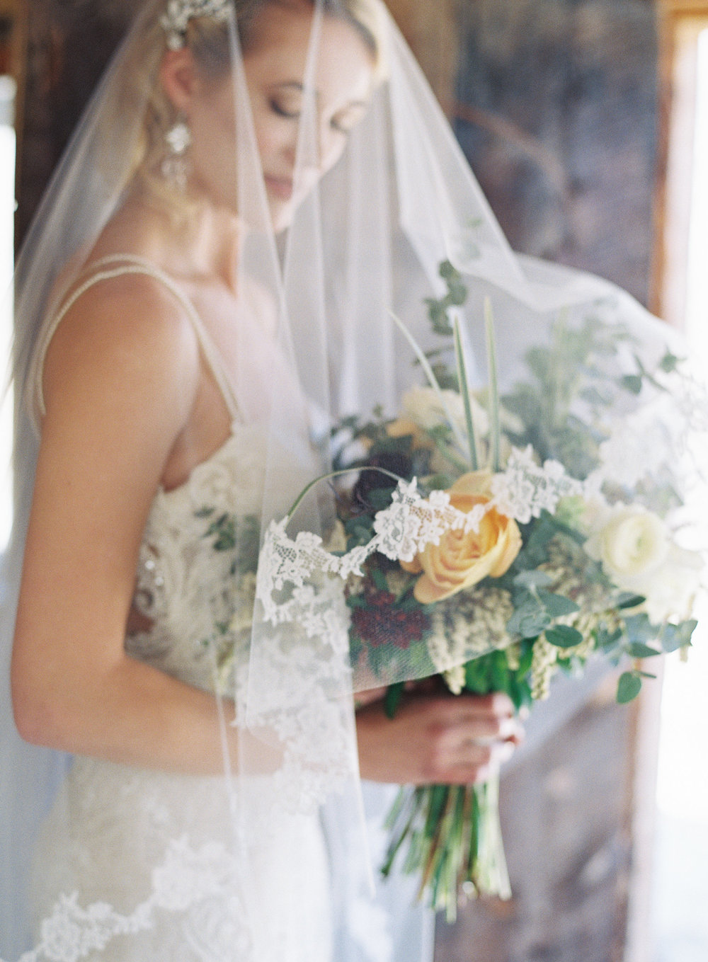 Emma Lea Floral- Winter Wedding Inspiration- Carrie King Photography