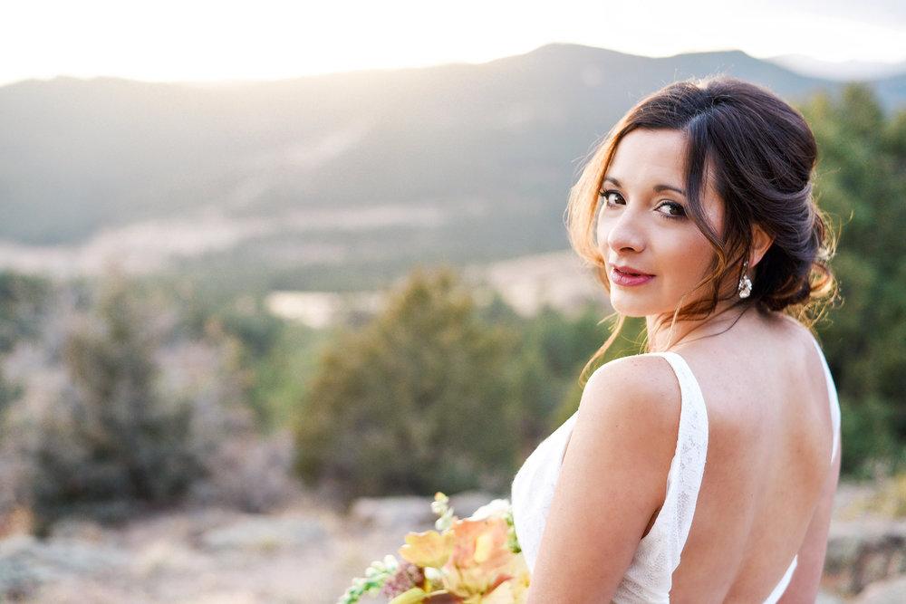 Colorado Fall Bride- Emma Lea Floral- Tiffany Willis Photography