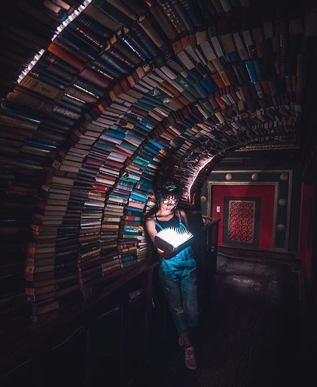Hot out? Spend some time indoors with a good book. Visit the Last Bookstore: take the Red or Purple Line to Pershing Square Station, or hop on Metro Bus 16 to 5th and Spring. ▫️ Photo 📸 @briandaoo ▫️ #GoMetro #LoveMetroLA #indiebookstore #dtla