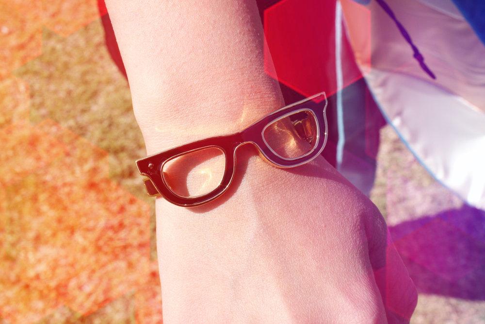 hand glasses 1.jpg