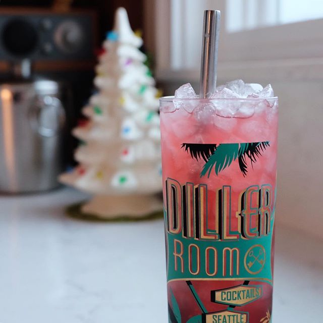Last of the holiday punch and a glass full of @thefirstbuild nugget ice in a Diller Room glass by @goldeneratropicals and @thetonycanepa #punch #gin #cocktail #diller #dillerroom #opalnuggetice #nuggetice