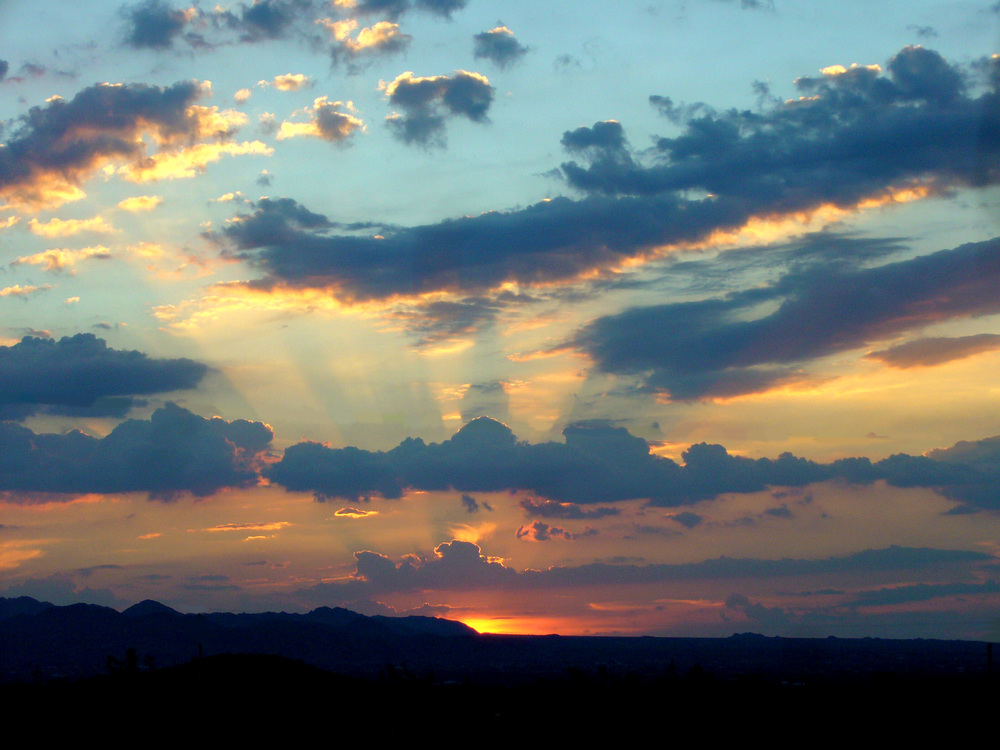 Imagem retirada do Wikipedia de Sunset (pôr do sol em inglês)