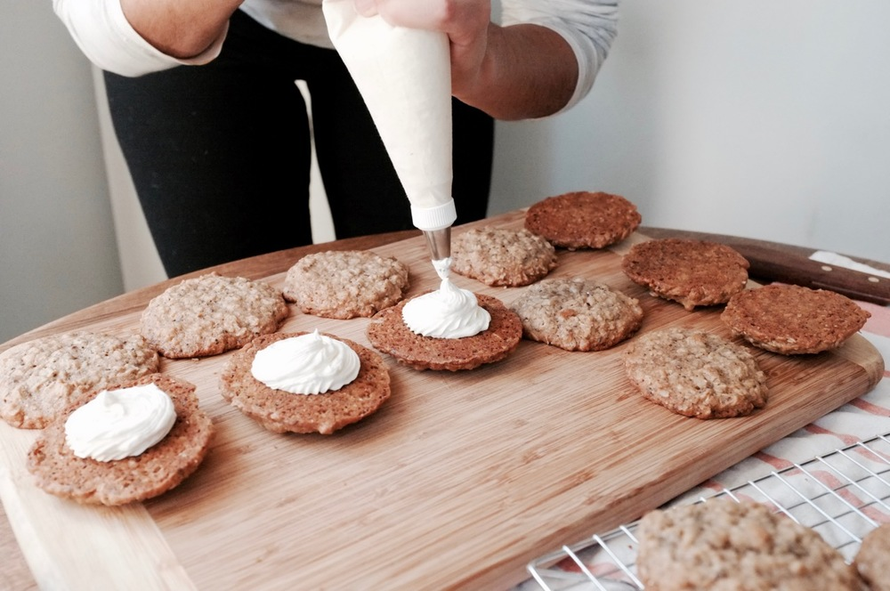 Oatmeal Creme Pies - Hill Reeves