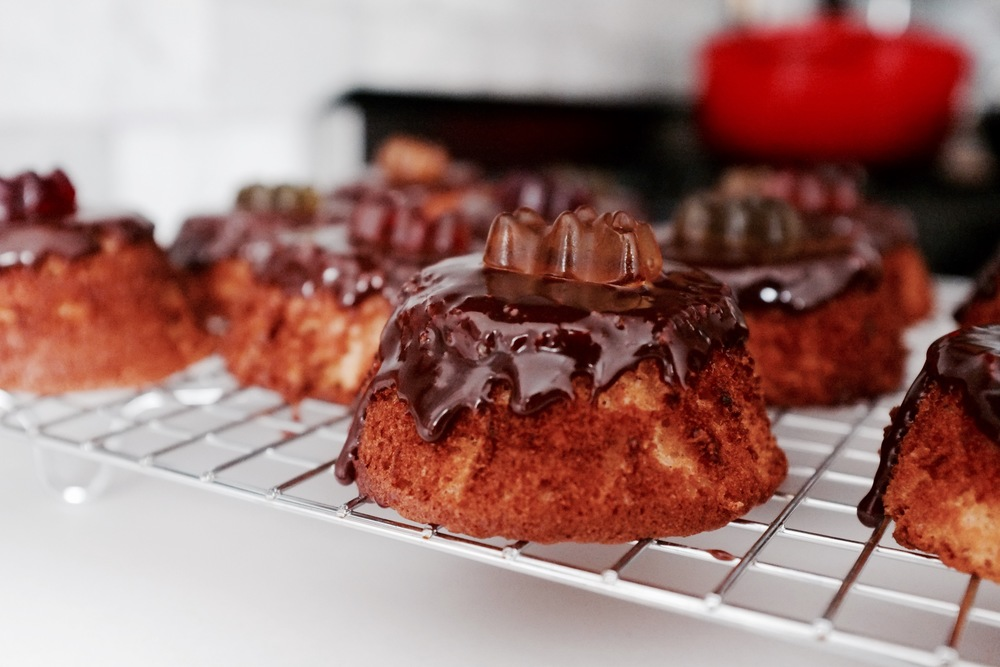 Honey Bear Cakes with Nutella Glaze - Hill Reeves