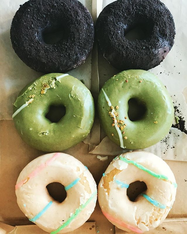 Get you a man who can do both (buy the donuts and take pics of them for you, thx @taylor23lfc). P.S. @chicoryco is hiring if you want in on the fun....🍩