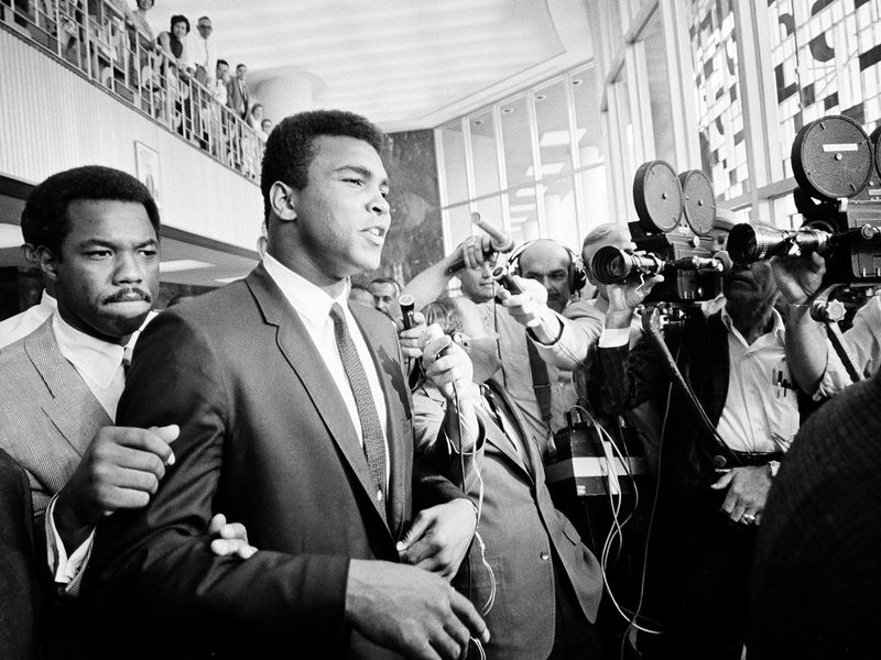 The Ties That Bind Muhammad Ali to the NFL Protests