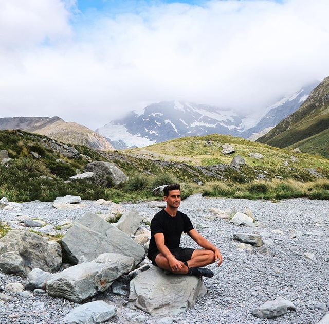 Sitting and waiting for a glacier to fall somewhere near Mount Cook. Pretty happy sitting, watching, waiting like a simple man with simple thoughts drooling over nature. 🤤
