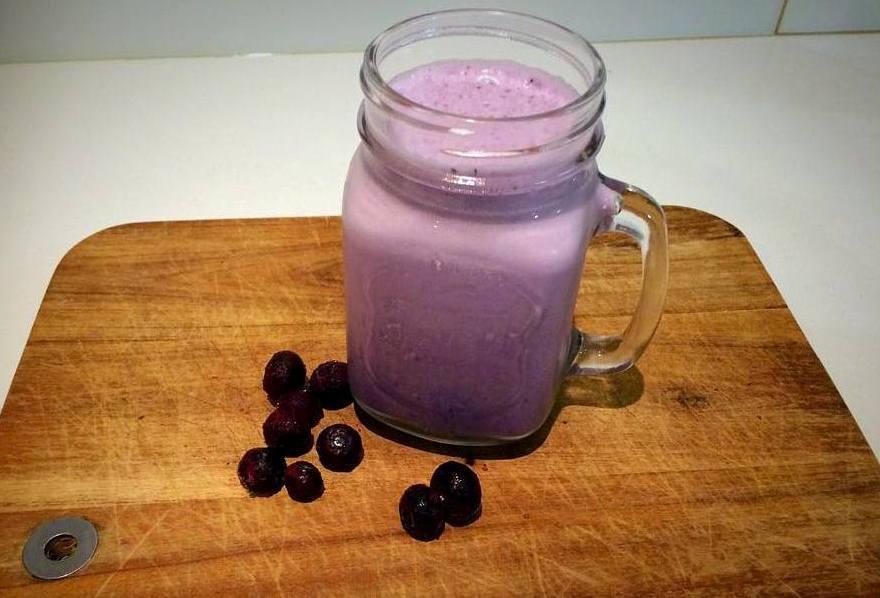 Basic Berry Smoothie 1.jpg