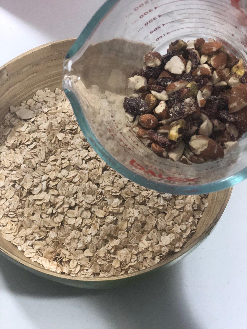 cacao granola1.jpg