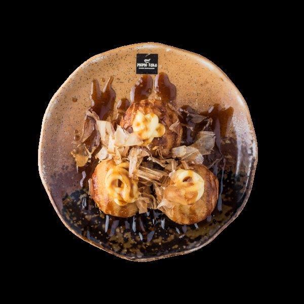 TAKOYAKI - 5,50€ - Paistettuja Mustekalapalloja, Okonomiyaki kastiketta, Majoneesia & Tonnikala lastuja.* (G), (K), (Ä), (M)