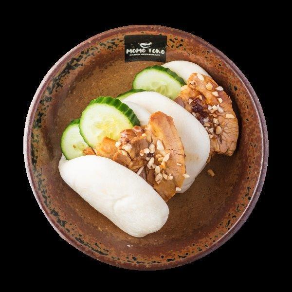 ORIGINAL BAO - 9,50€ - Vehnä Bao, Uuni Porsaankylkeä, Kurkkua, Pähkinöitä, Rucolaa, Taiwan Rock-Sugar & Ruohosipulia.* (G), (P)