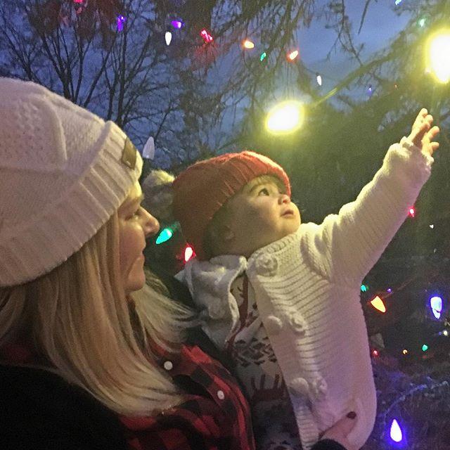 Annual tree lighting at Redding Town Hall 🎄✨