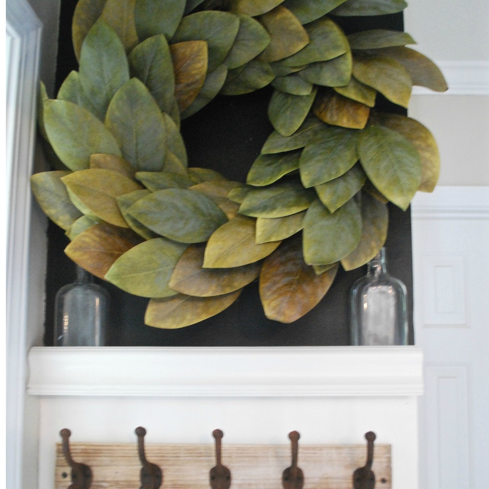DIY Faux Shiplap Magnolia Wreath Decor