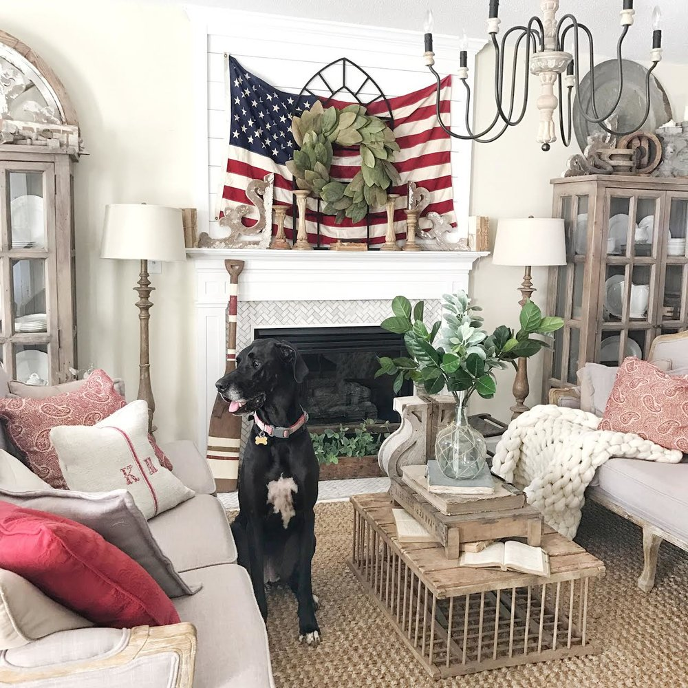 Farmhouse 4th of July Living Room Decor by Plum Pretty Decor and Design