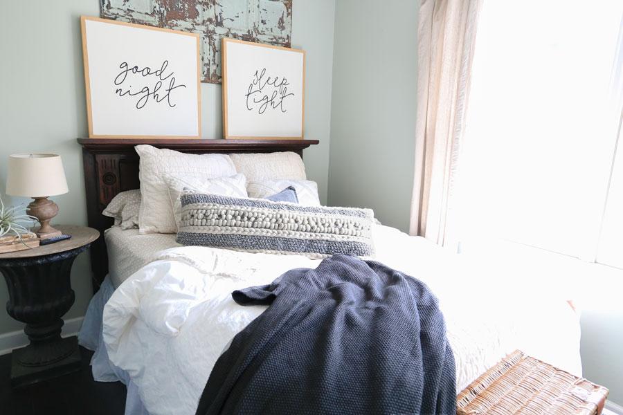 Modern_Farmhouse_Textured_Pillows_Bedroom_Decor.jpg
