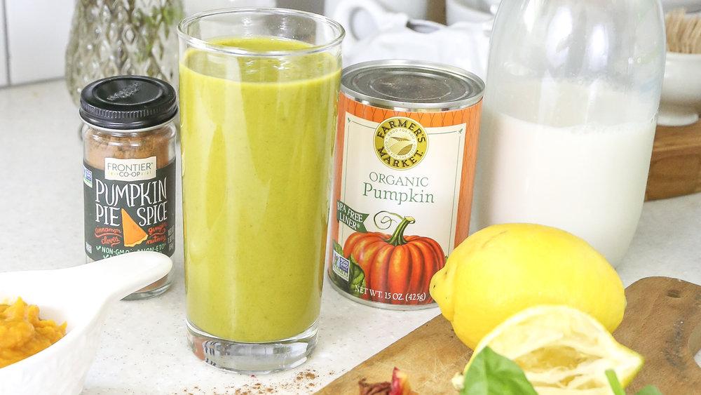 Pumpkin Spice Healthy Green Smoothie Recipe- Yummy, refreshing, and healthy pumpkin spice recipe.