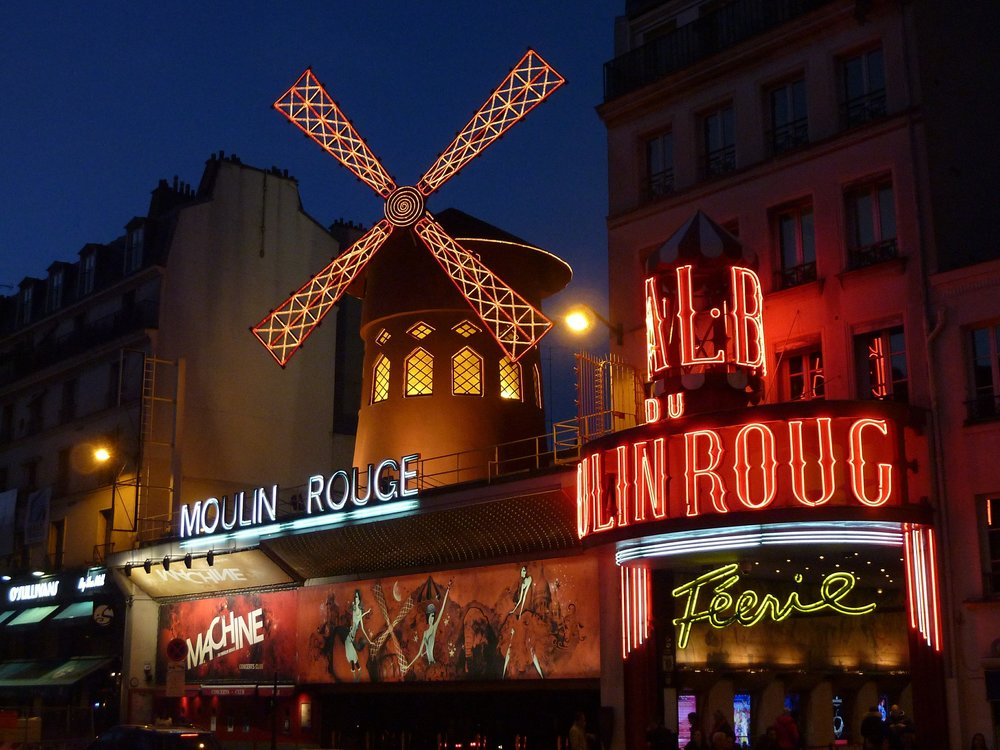 moulin-rouge-392147_1920.jpg