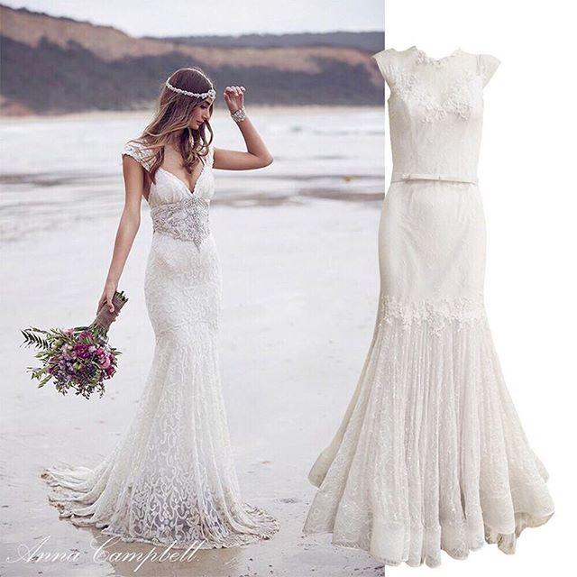 O vestido de renda sereia é romântico e atemporal. Esta é uma das peças que estarão em nosso bazar. Preços imperdíveis! #getthelook