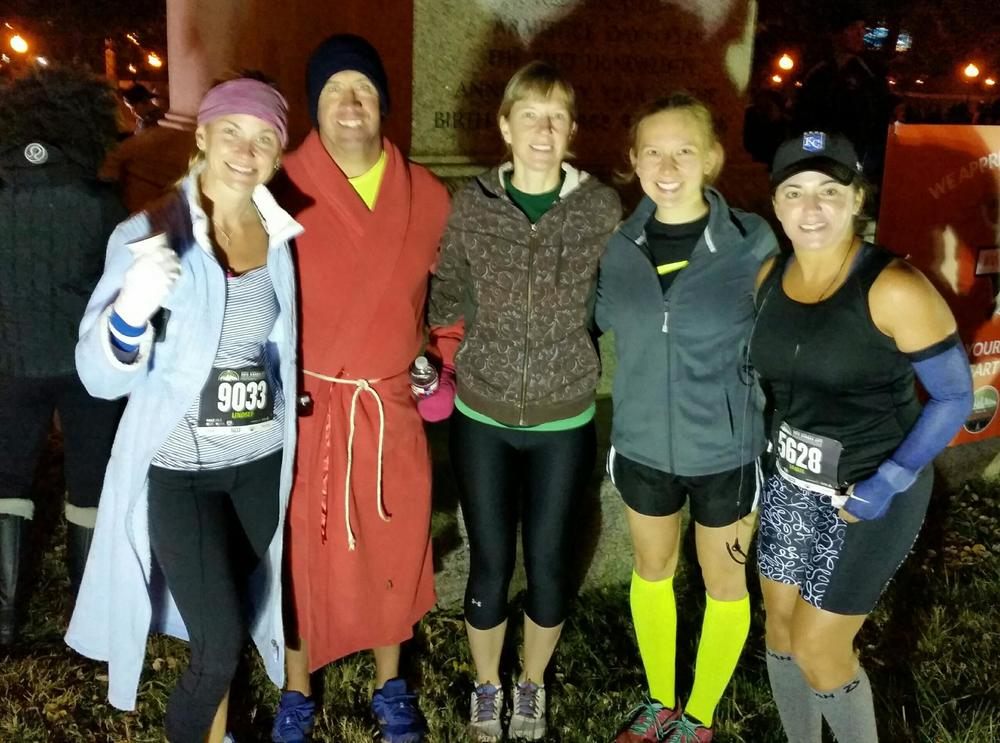 Friend of Mo, Mo, Jen, Danille and Jamie. Not pictured Mary and Allison P. Thank you to Amy S. who came out early to take the group pic and cheer all the KC runners!