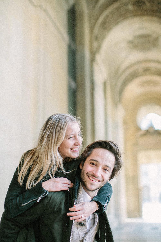 engagement-session-laurine-&-maxime-paris-wedding-photographer-ring-couple-©-saya-photography-studio-ohlala-