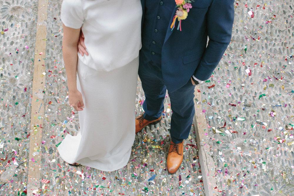 elopement-colorful-©-saya-photography-wedding-photographer-photographe-mariage-saint-paul-vence-rock-my-love-studio-ohlala-french-riviera-groom-bride-dress-carnet-de-mariage-faubourg-saint-sulpice