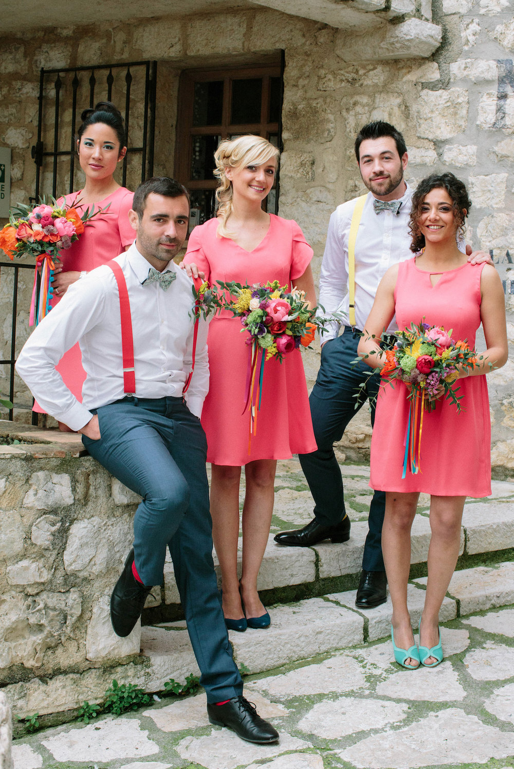 elopement-colorful-©-saya-photography-wedding-photographer-photographe-mariage-saint-paul-vence-rock-my-love-studio-ohlala-french-riviera-groomsmen-bridesmaid-guest-lecolonelmoutarde-atelier-charlotte-auzou-shoes-alix-de-la-forest