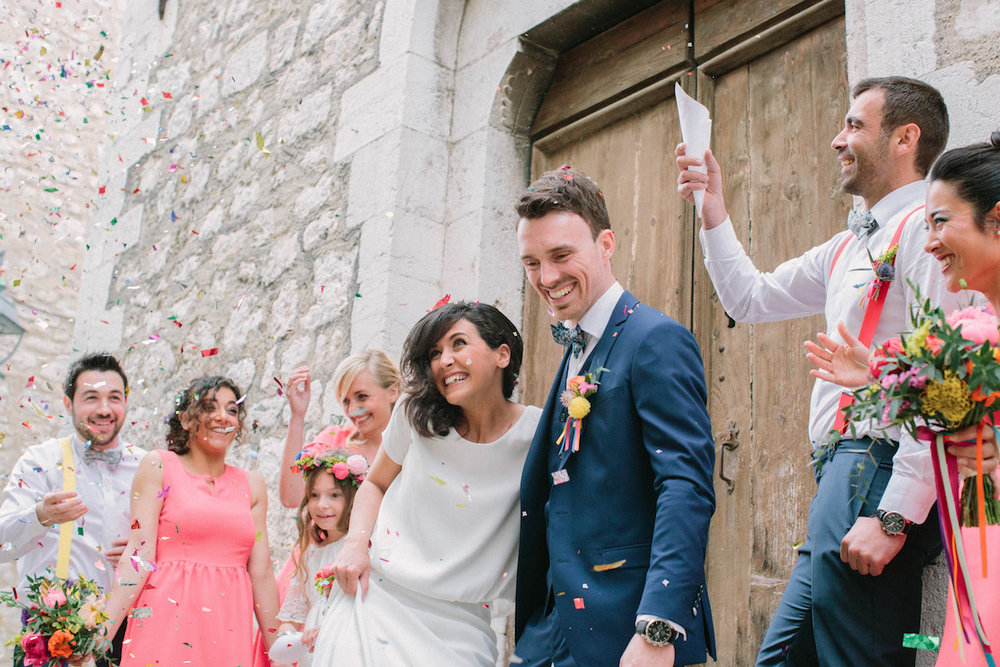 elopement-colorful-©-saya-photography-wedding-photographer-photographe-mariage-saint-paul-vence-rock-my-love-studio-ohlala-french-riviera-guest-ceremony