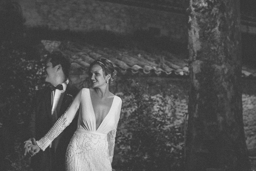 ©-saya-photography-studio-ohlala-wedding-photographer-photographe-mariage-lourmarin-avignon-provence-le-galinier-50.jpg
