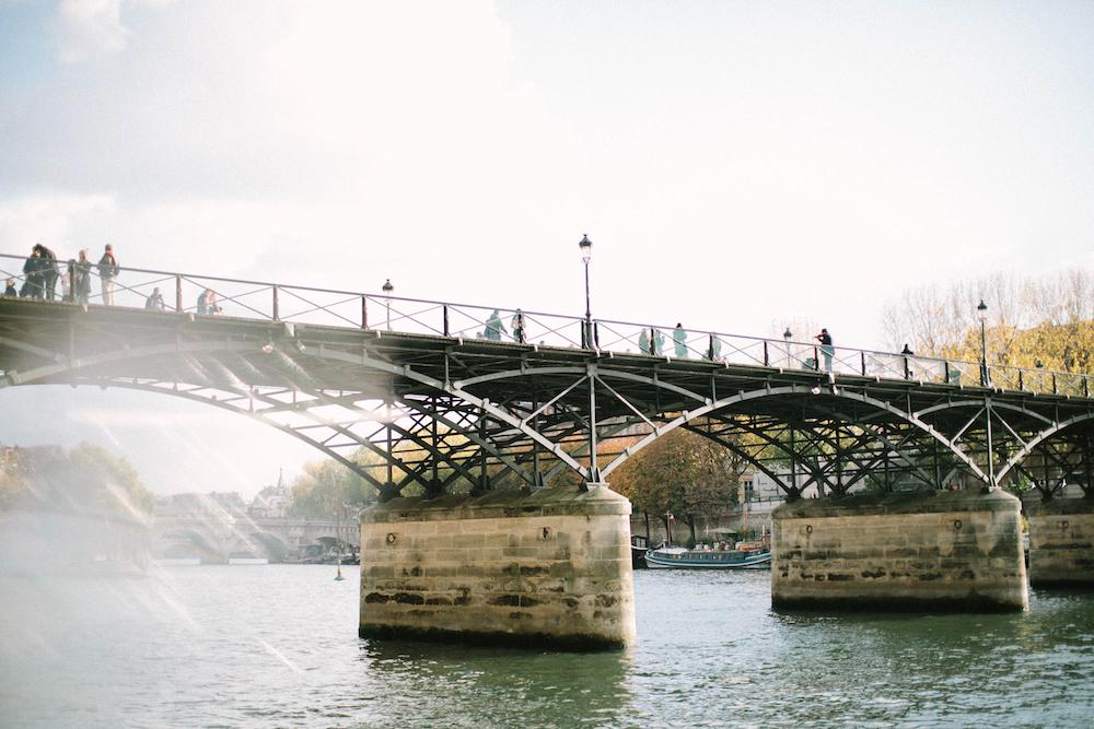 ©-saya-photography-studio-ohlala-wedding-photographer-photographe-mariage-pont-des-arts-paris-52.jpg