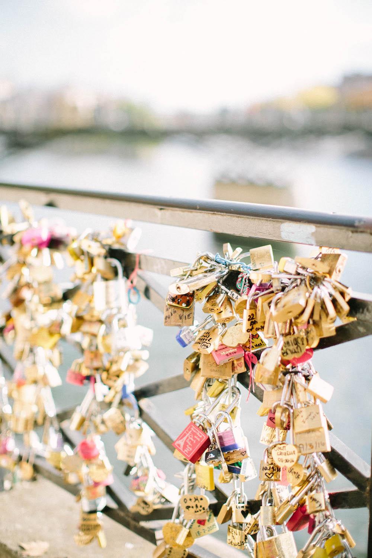 ©-saya-photography-studio-ohlala-wedding-photographer-photographe-mariage-pont-des-arts-paris-53.jpg