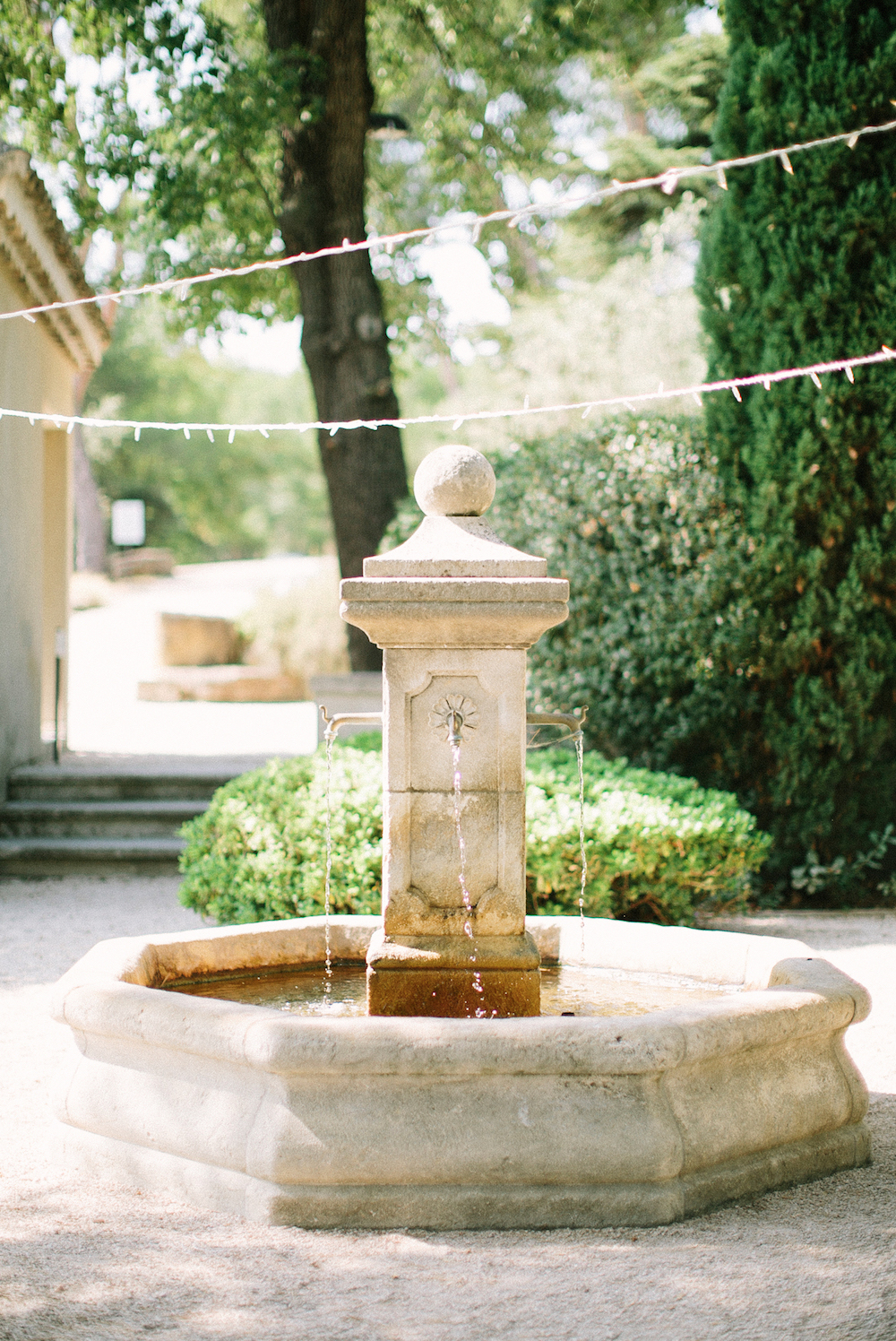 ©-saya-photography-studio-ohlala-wedding-photographer-photographe-mariage-chateau-de-la-tour-vaucros-avignon-50.jpg