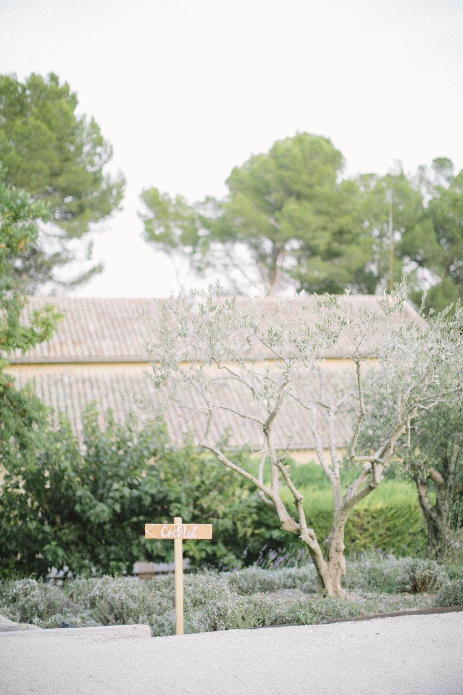 ©-saya-photography-studio-ohlala-wedding-photographer-photographe-mariage-chateau-de-la-tour-vaucros-avignon-226.jpg