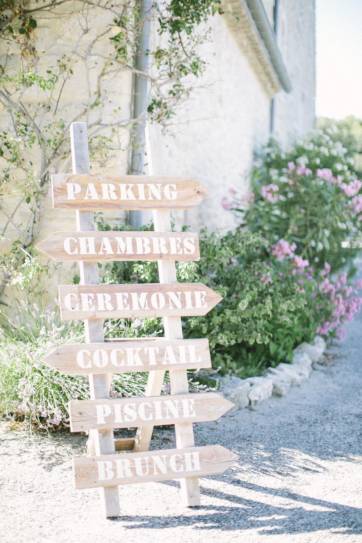 ©-saya-photography-studio-ohlala-domaine-de-patras-provence-mariage-elegant-sobre-vegetal-4.jpg
