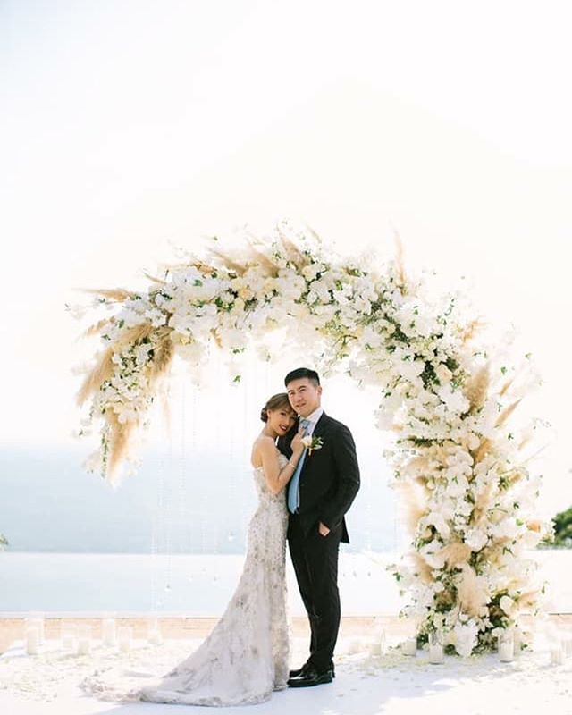 ~ 𝐐𝐮𝐨𝐭𝐞𝐬 ~ Dites vous que rien n'est éternel dans la vie même les emmerdes 🤓 . . . . . Photography : @sayaphotography for @studiohlala | Wedding Planner : @theweddingblissthailand | Floral Designer : @iamflower.co #sundayquotes #businesswoman #businesslife #businesstips #westernceremony #weddingsetup #weddinginspiration #weddinginspo #weddingarch #floraldesignerweddding #destinationweddingphotographer #hkwedding #phuketwedding #phuketfineartweddingphotographer #phuketweddingphotographer