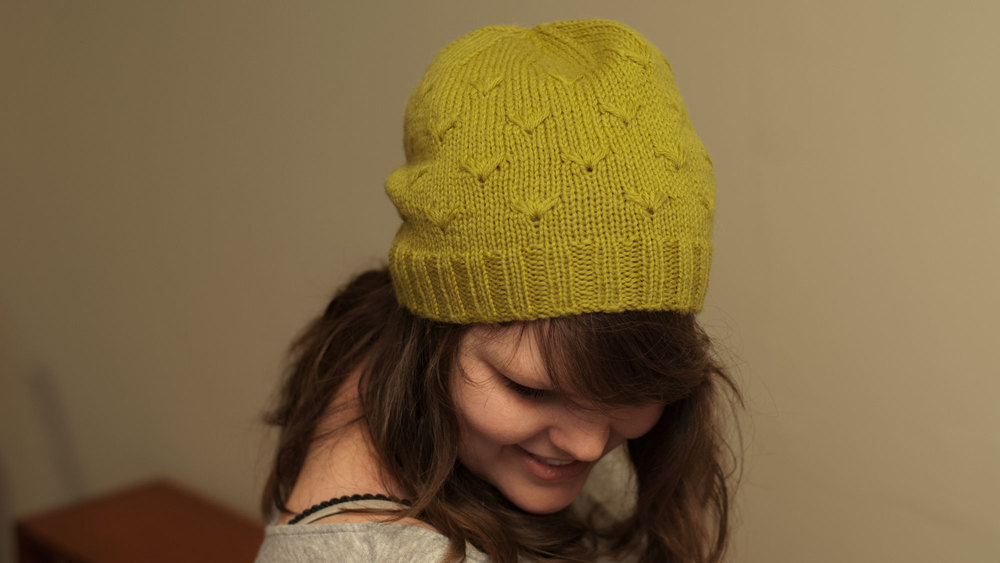 Bellis_Hat_02.jpg