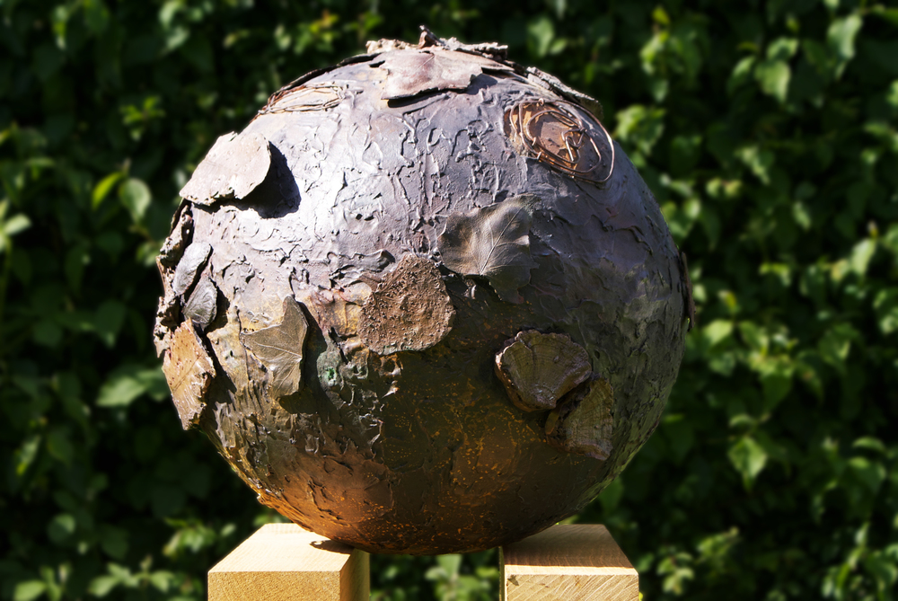 Globe With Leaves