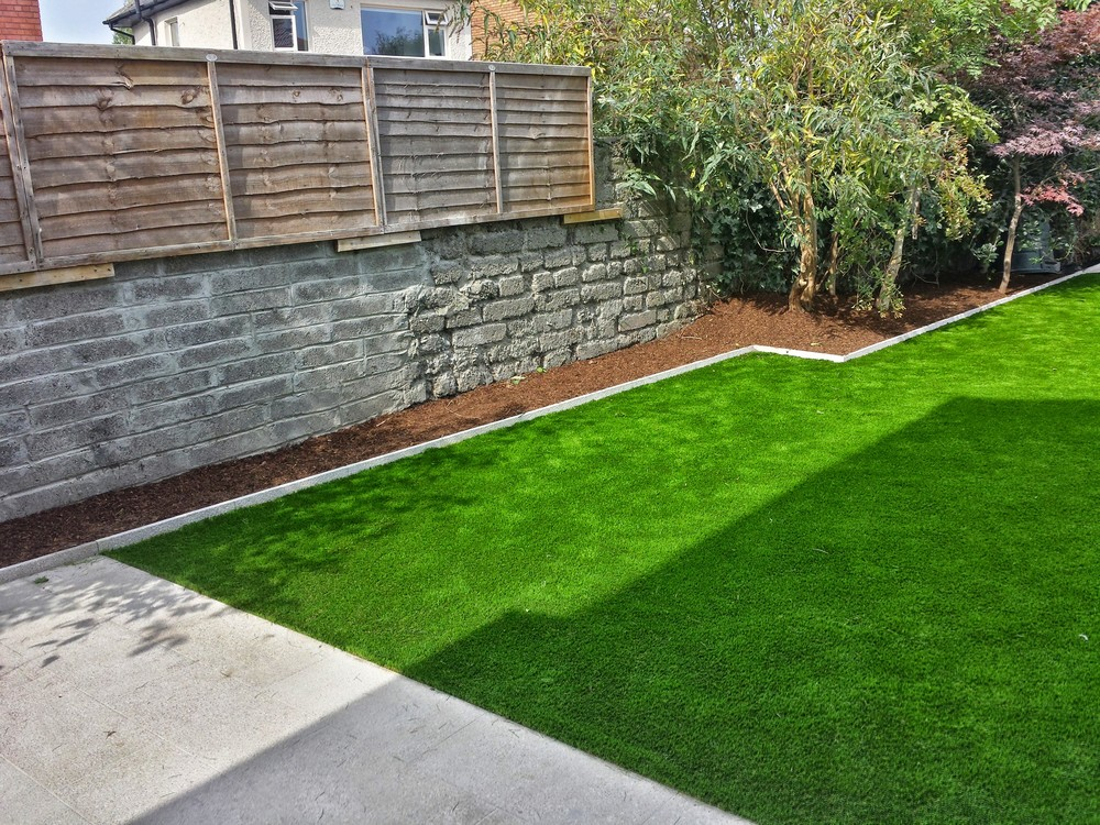 fake lawn turf installation