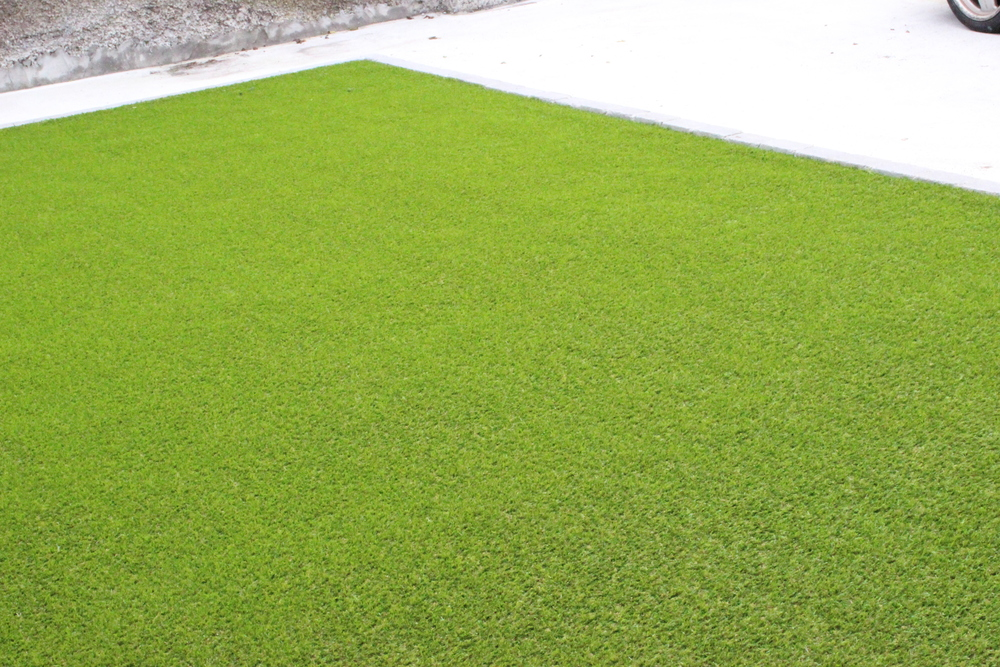 Front lawn in artificial grass from TigerTurf