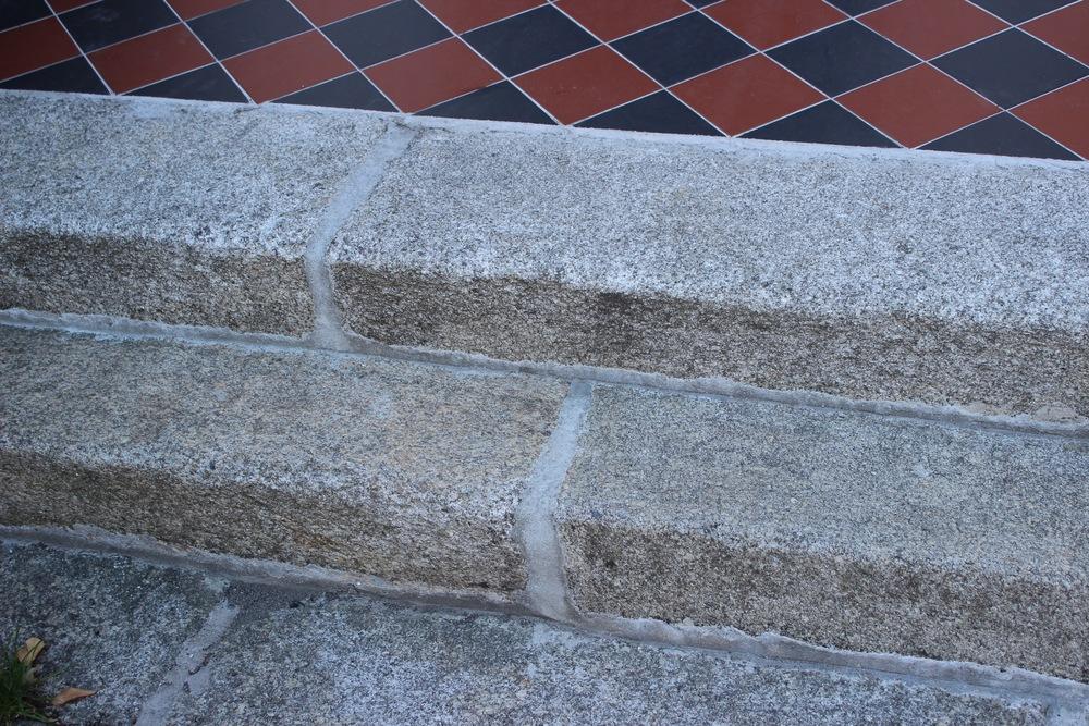Granite thread Victorian style step