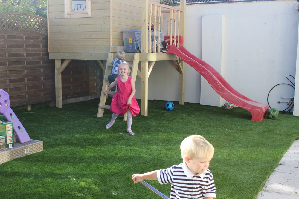 kids playing on astroturf.jpg