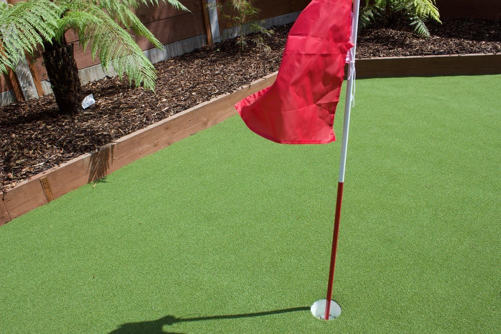 garden golf green.jpg