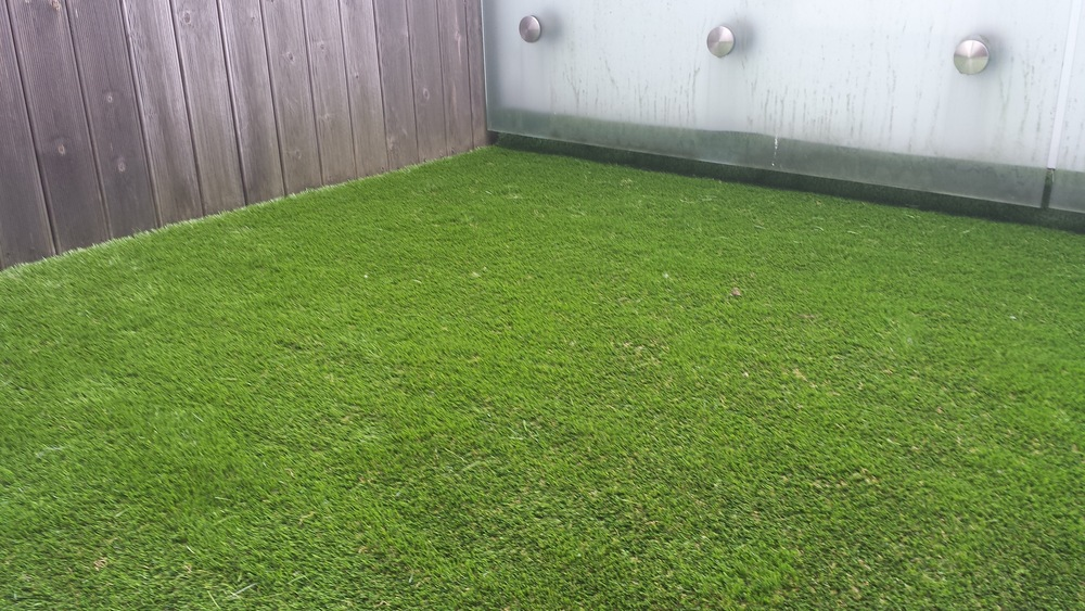 balcony artificial garden grass.jpg