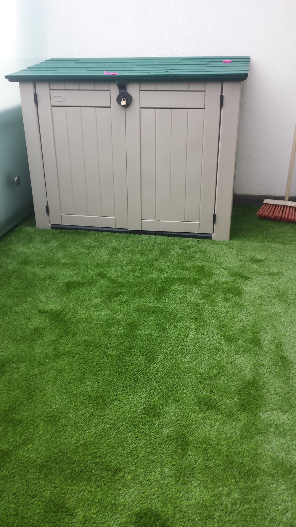 balcony artificial grass .jpg
