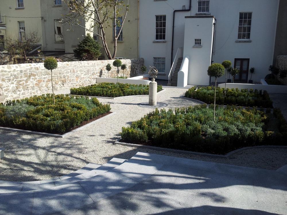 Kilmainham hospital gardens dublin 8 amazon landscaping for Dc landscape design