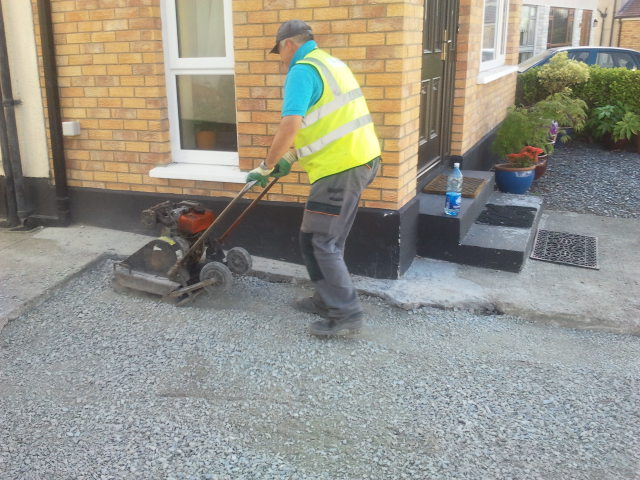 paver compacting stone