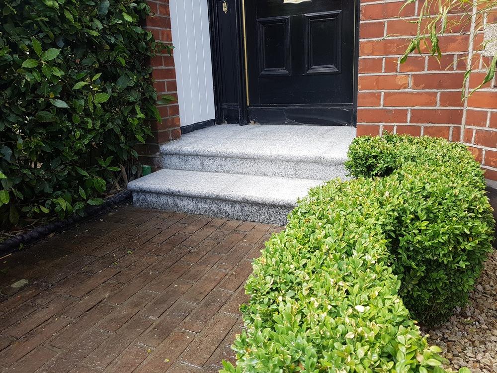 Front Door Step doorstep — amazon landscaping -